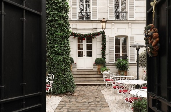 Montmartre mansion - entrance