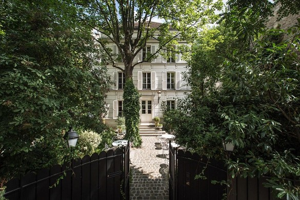 Montmartre mansion - exterior