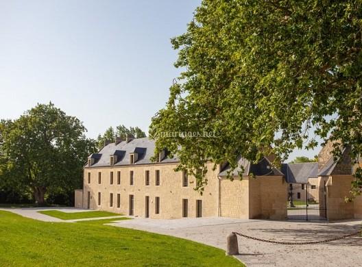 Cour des lys estate - exterior