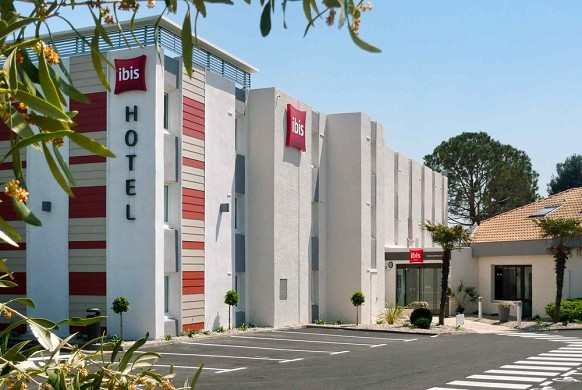 Ibis salon-de-provence south - estacionamiento