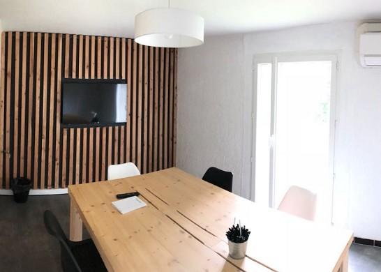 Spotee eguilles - sala de reuniones