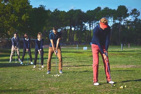 La mansión del hotel - actividad de formación de equipos - introducción al golf
