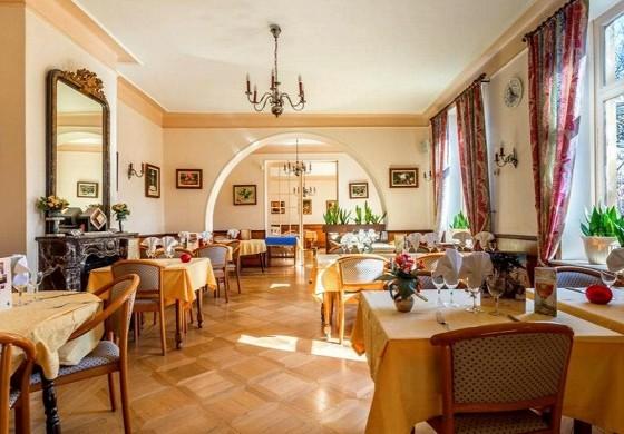 Remotel - restaurant