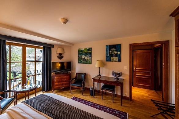 Auberge saint walfrid - violet suite