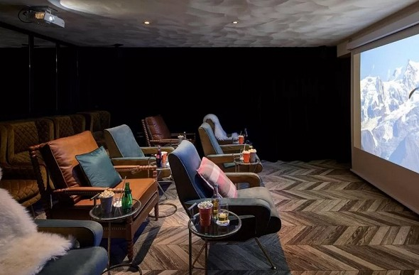 Valle alpina - sala cinema