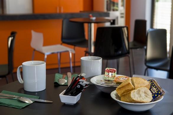 Adonis dijon - Frühstück