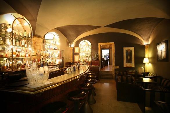 Cour des loges - Bar