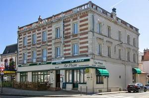 Hotel Le Parc À Moulins - Exterior