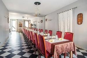 La Poule Noire - Restaurante para privatización