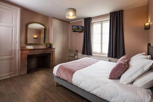 Großer Hausbesitz - Räume für Wohnseminare