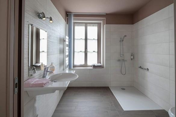 Großer Hausbereich - Bad
