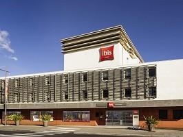 Ibis Cannes Mandelieu - Hotel con sala de seminarios