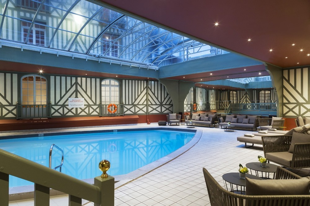 Hotel barrier le normandy - piscina