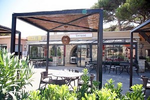 Seminar room: Hotel Delos -