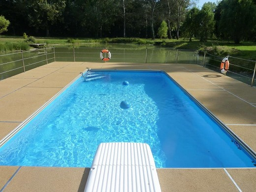 Domaine de sery - swimming pool