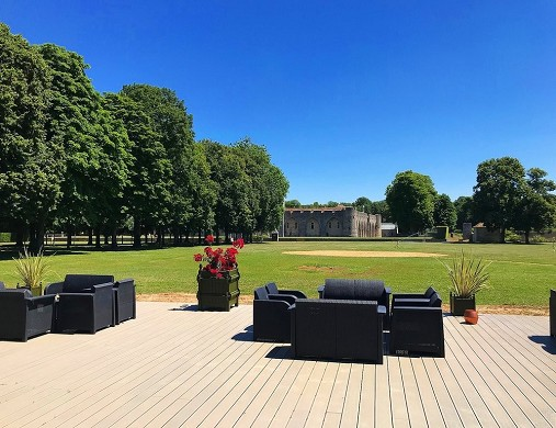 Farcheville Schloss - Terrasse