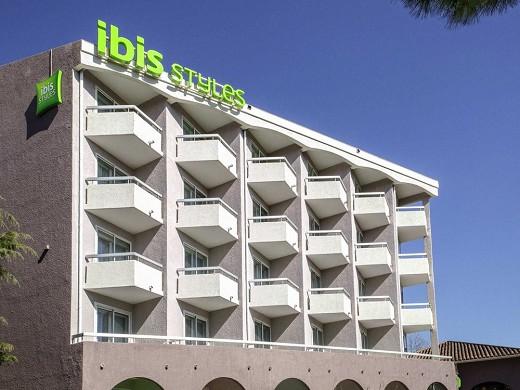 Ibis styles fréjus saint-raphaël - fachada