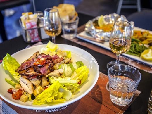 Ibis styles fréjus saint-raphaël - restaurante
