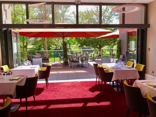 The mess gardens - terraza del restaurante