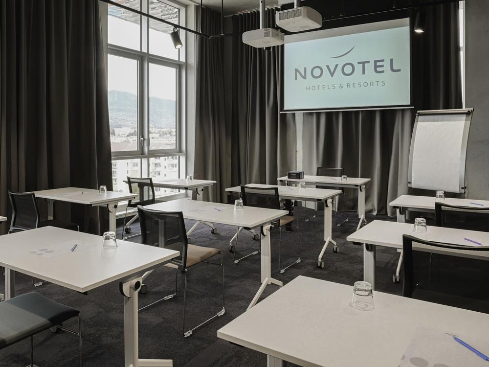 Chez Claude - Novotel Annemasse Center Porte de Genève