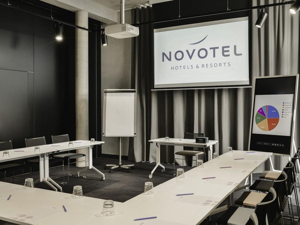Chez Hugues - Novotel Annemasse Center Porte de Genève