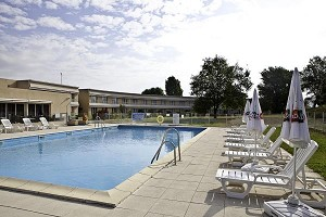 Hotel Aix Sainte-Victoire - piscina