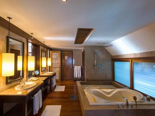 Das St. Regis Bora Bora Resort - Badezimmer