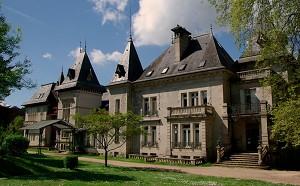Reynou Zoo Park - Castle