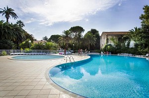 Domaine du Mas Blanc - Swimming pool