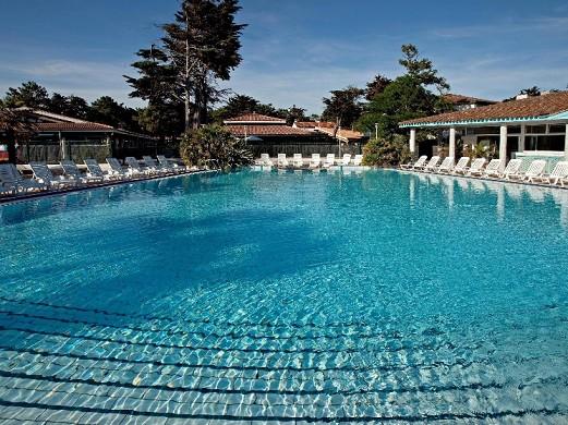 Domaine Les Grenettes hotelier - pool