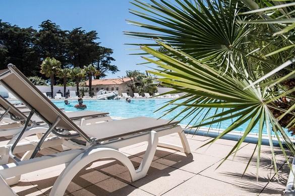 Domaine hotelier les grenettes - piscina