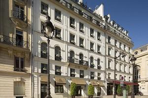 Hotel Des Grands Hommes - Hotel Front