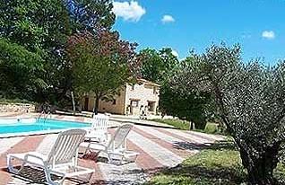 La cappella Forcalquier zona piscina