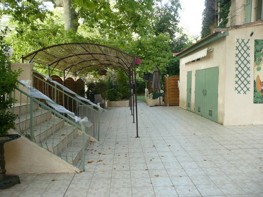 Saint-Pons-Lounges - außen