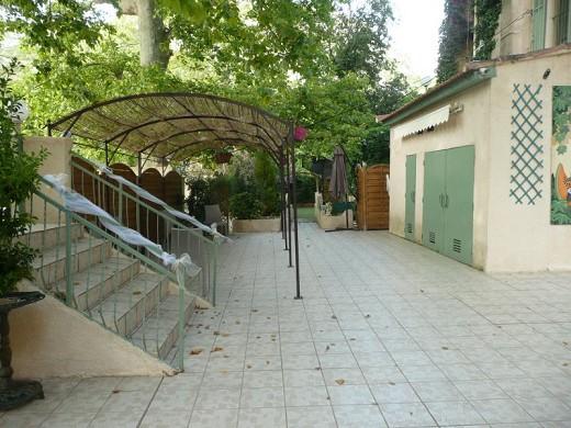 Salones Saint-Pons - Exterior