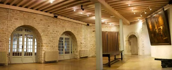 Chateau de santenay room rental