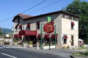 Hotel Chez La Mere Depalle - Hotel front view