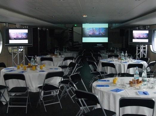 The bodega in Seine - reception area