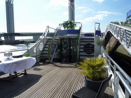 The bodega in Seine - venue in rouen