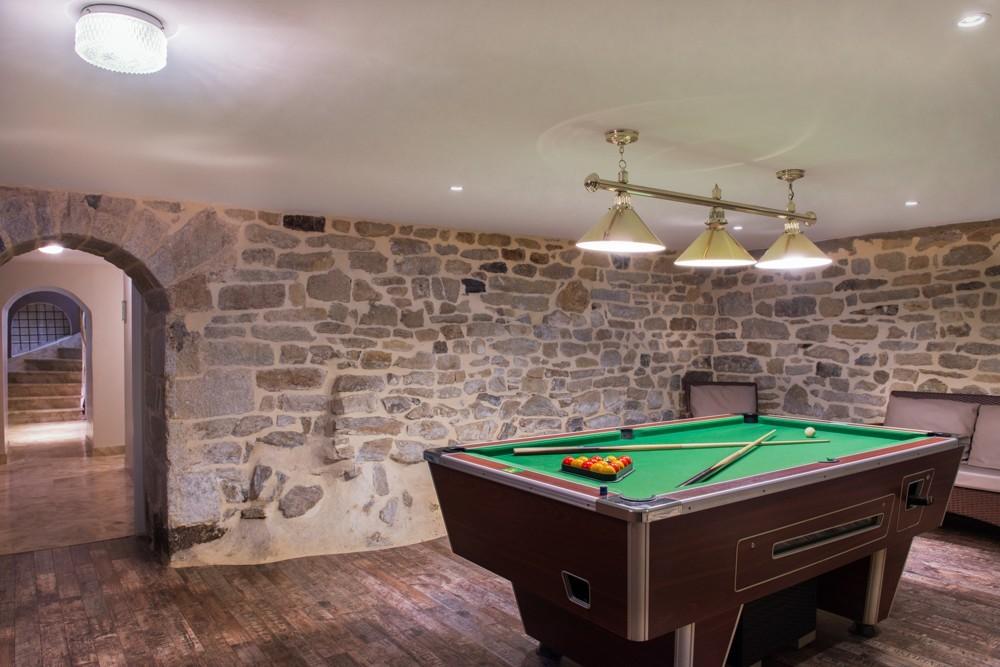 Manoir de kerhuel - billiard room