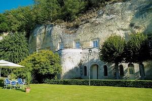 Die hohen Felsen - Fassade