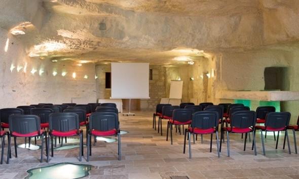 High rocks - sala de seminarios