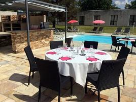 BRIT HOTEL Nantes Vigneux, L'Atlantel - Terrazza con piscina