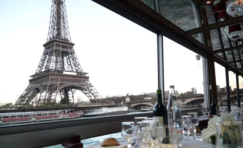 Muelle 55 - Cabo Sena - Vista de la torre Eiffel