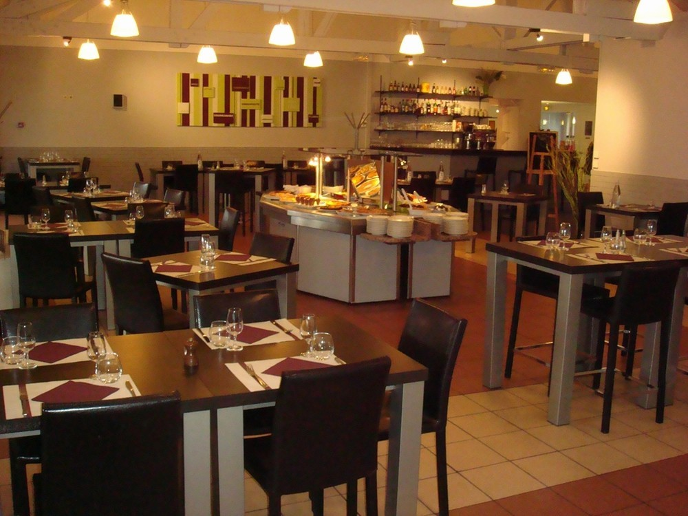 Kyriad lille est villeneuve d 39 ascq salle s minaire lille - Restaurant la table villeneuve d ascq ...