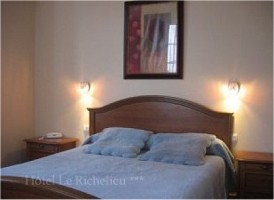 Hotel restaurant le richelieu dax bed and breakfast