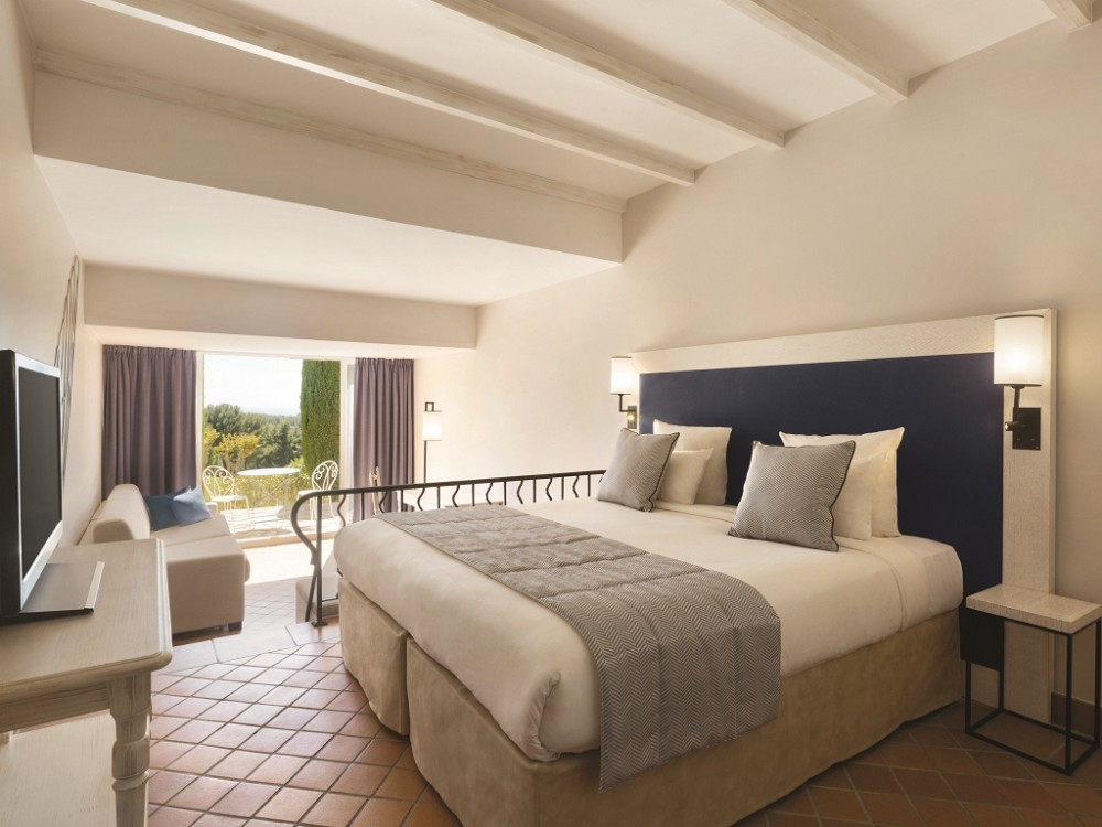 Dolce fregata Provence classico family room 1129429