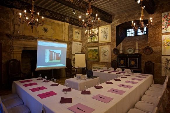 Chateau de mauriac - renaissance hall