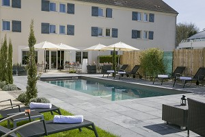 Best Western The Wish Versailles - terrace and outdoor pool