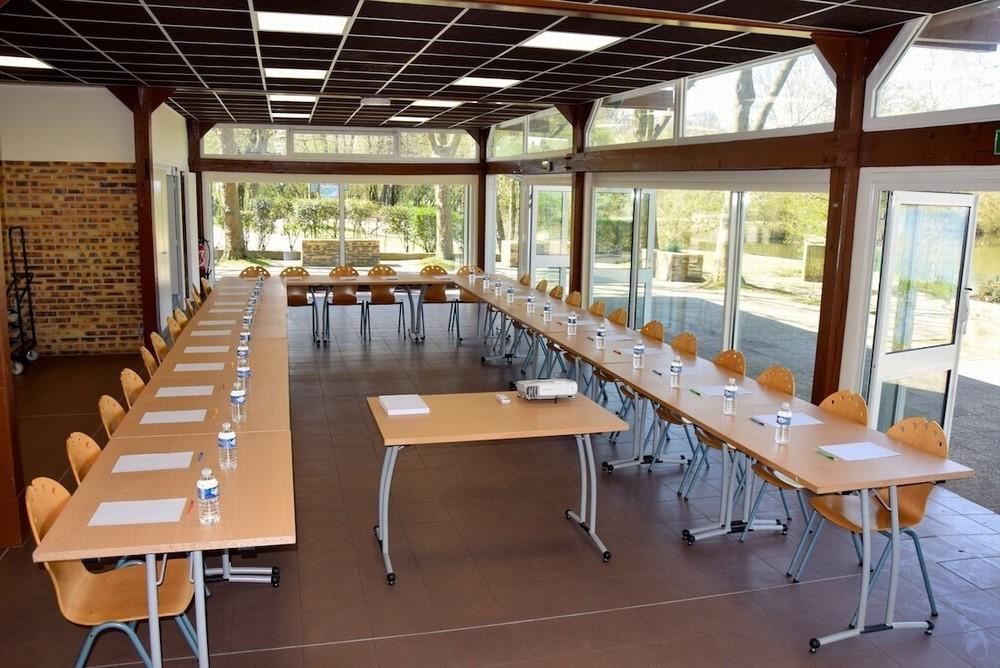 Base de loisirs de saint quentin en yvelines salle for Restaurant yvelines avec jardin